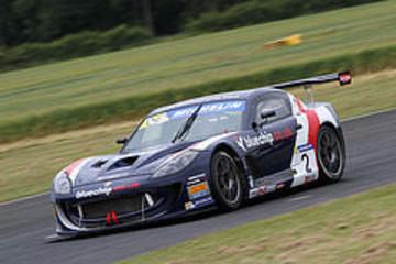 Breeze & Davenport Determined To Increase Teams Ginetta Series Lead